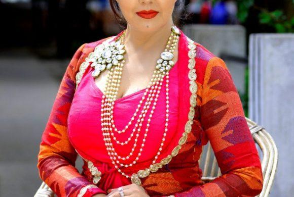 करिश्माको प्रश्न-महामारीको बेला भिडभाड गर्ने दललाई कसरी राम्रो भनुँ?'